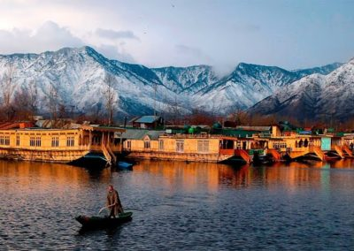 Kashmir Honeymoon Package: