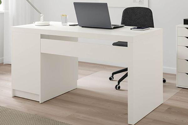 Desks parcel service